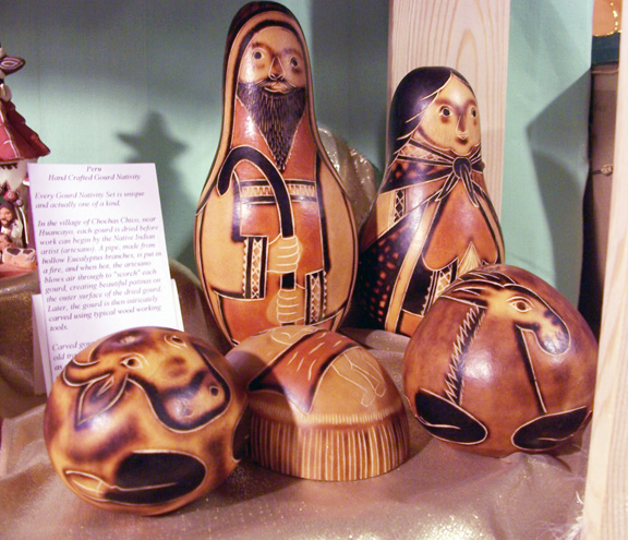 Carved-Gourd-symbolism-from-Peru