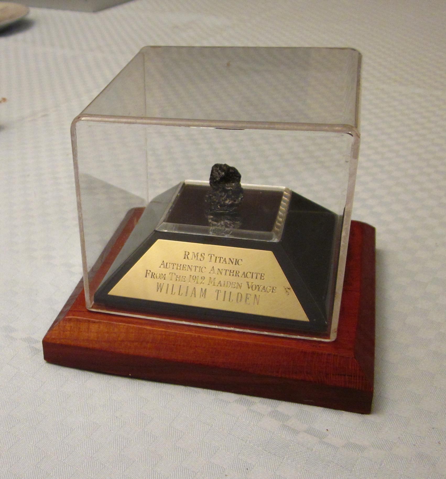 Personalized  Anthracite Souvenir. Willa Wick Photo