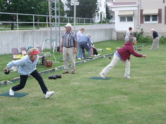 lawn-bowling-1a