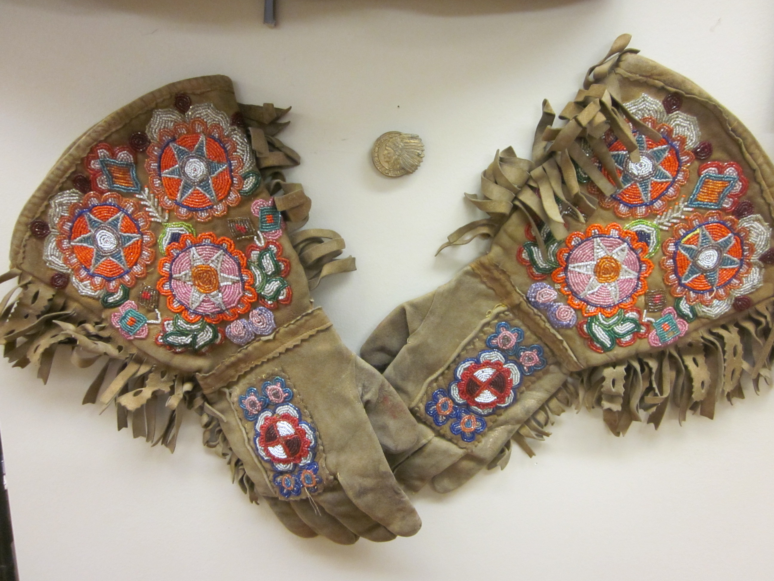 Levi Wesley's hand beaded gloves (Willa Wick photo)